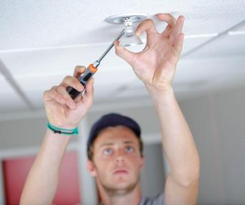 Comment installer un spot LED ?